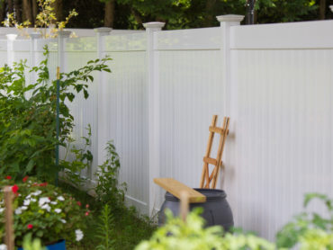 Vinyl Fence Is a Great Choice: Maintenance-Free and Affordable