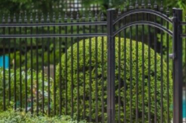 Buying and Installing New Hampshire Fences